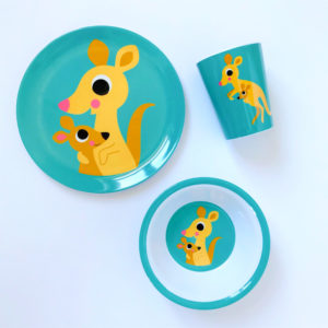 OMMDesign kangaroo set bord, beker & kom, ontworpen door Ingela Arrhenius.