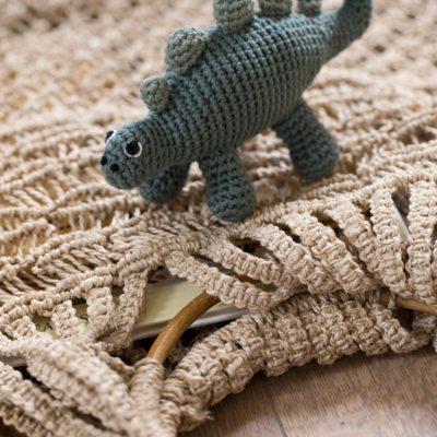 sebra gehaakte rammelaar dinosaurus