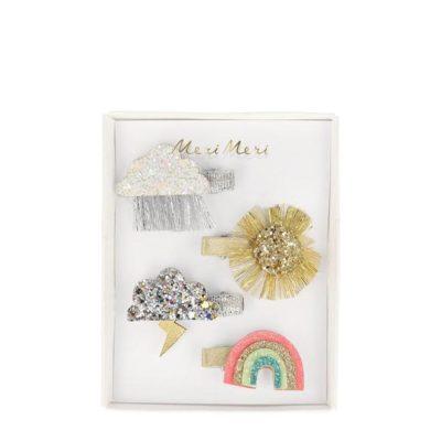 Deze sparkly weather haarspeldjes zullen prachtig staan of het nu regent of de zon schijnt. Kies welk speldje bij je stemming past. Zon, regen, bliksem of regenboog, ze zijn allemaal super mooi en glinsterend. Glitter & imitatie leer afmeting van het doosje: 83 x 108 x 16mm